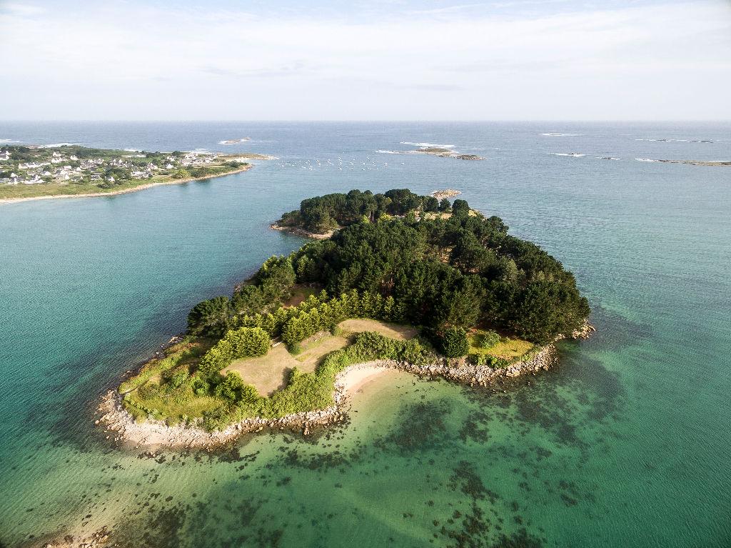 À Pleumeur-Bodou, la légendaire île d'Aval change de mains